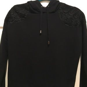 black sweatshirt with hoodie